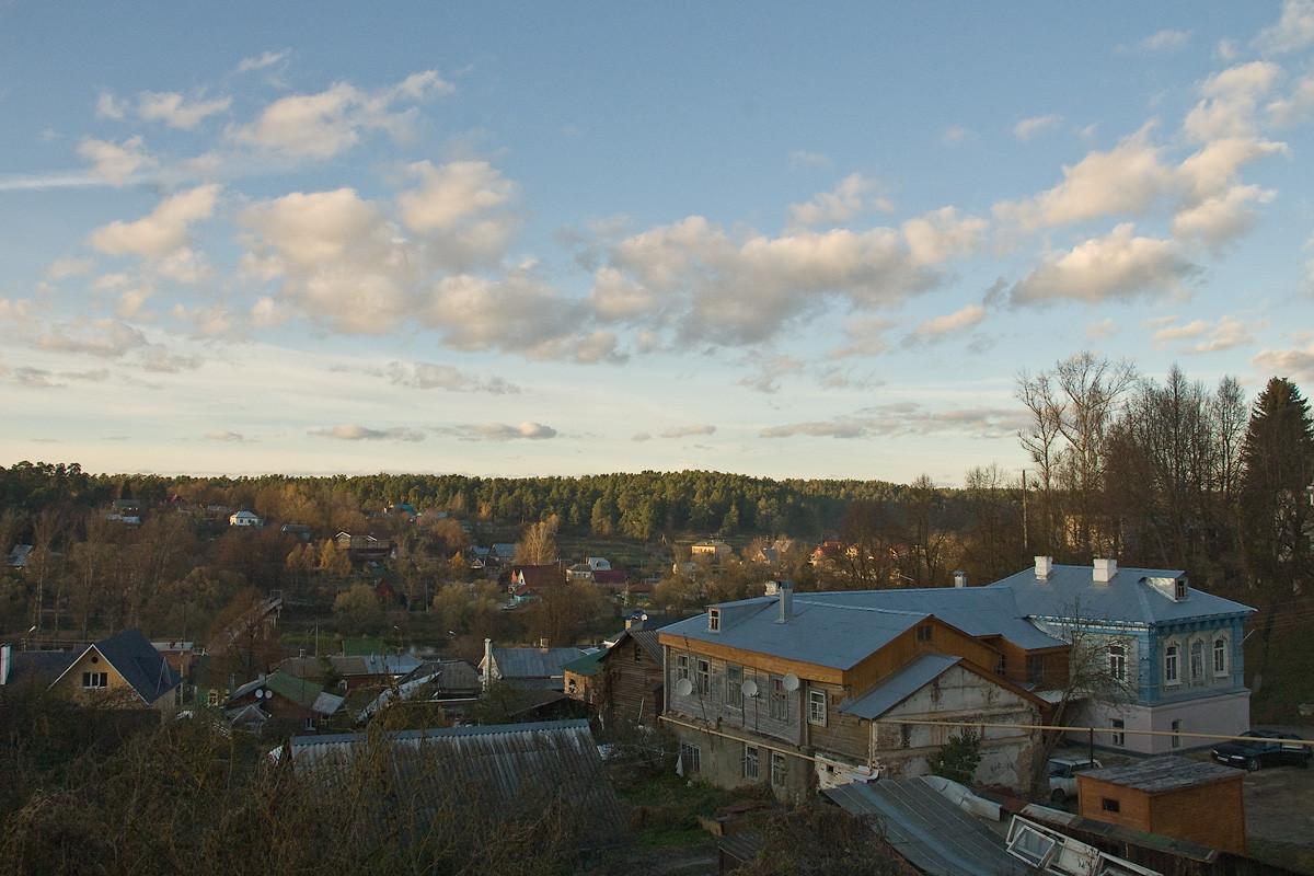Боровск. Вид из дворика на окраину города