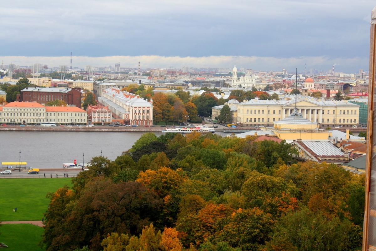 Вид на крыши Санкт-Петербурга с Исаакиевского собора. Автор фото: Йохан Метте