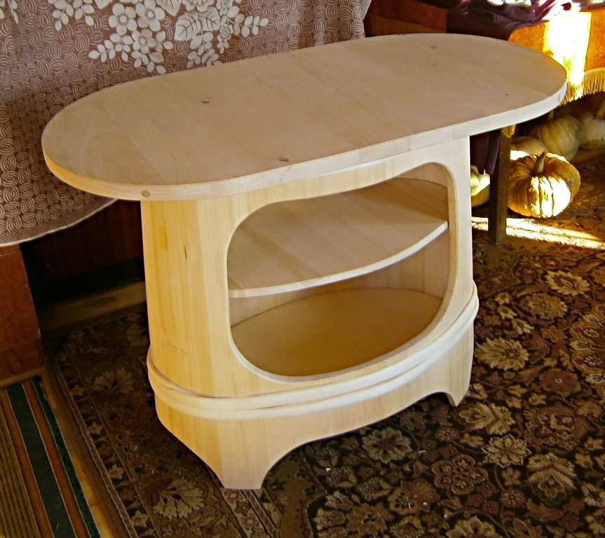 Бондарный стол-тумба. Автор фото: Кром Игорь