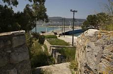 Вид на мост с крепостной стены.