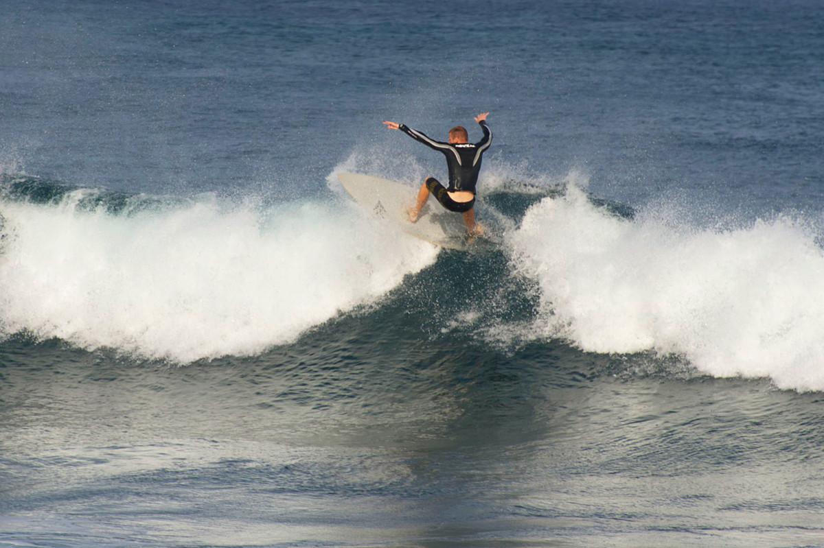 Серфинг на северном побережье. Автор фото: Ольга Мелхайзер