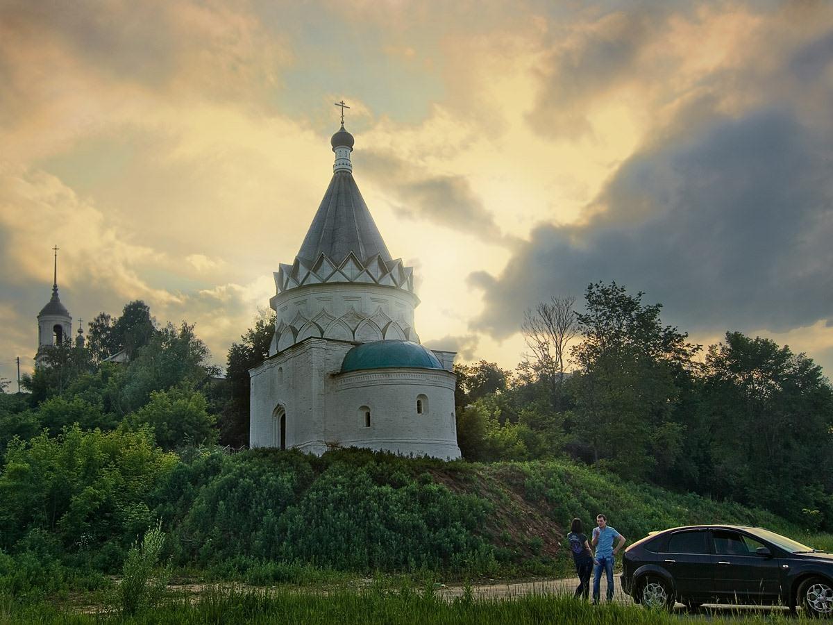 Муром.  Шатровая церковь Козьмы и Дамиана. Автор фото: Юрий Семенов