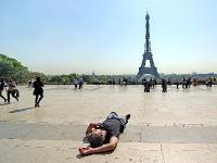 Увидеть Париж - и ... заснуть. Автор фото: Юрий Семенов