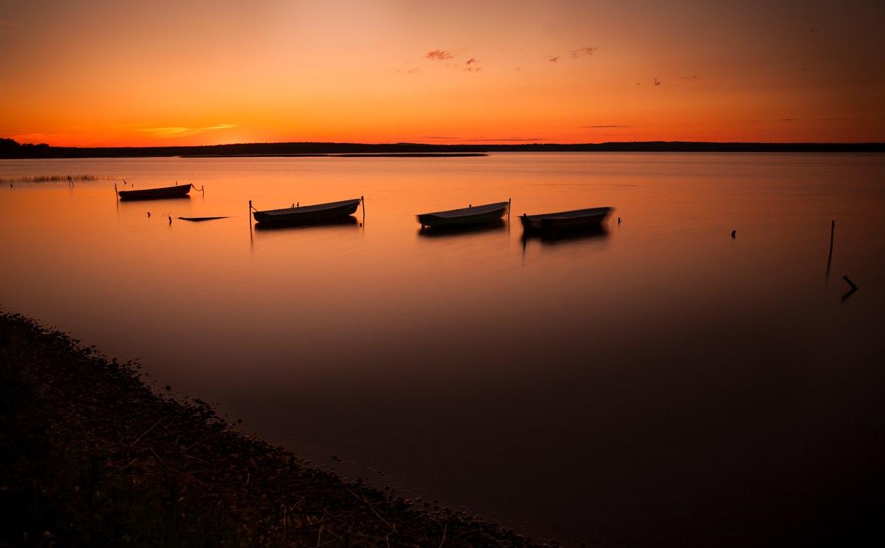 Закат над озером. Автор фото: Станислав Крутоверцев (С-Петербург)
